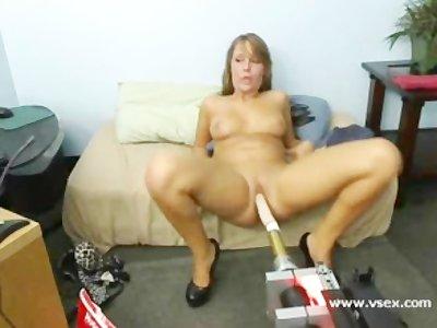 Pornstar Ella Milano sex machine live webcam