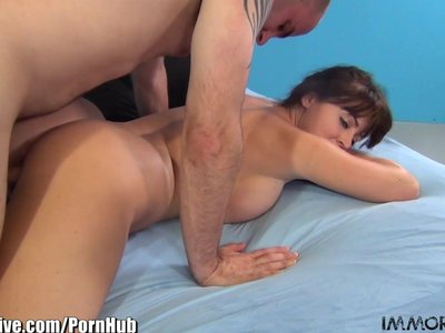 Big ass Sophie Dee gets rammed from behind