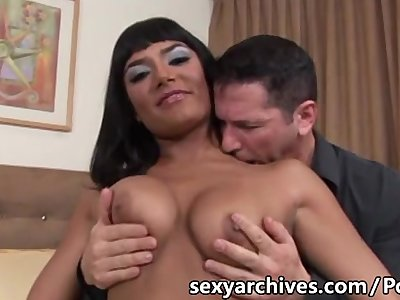 Hot milf gets a facial